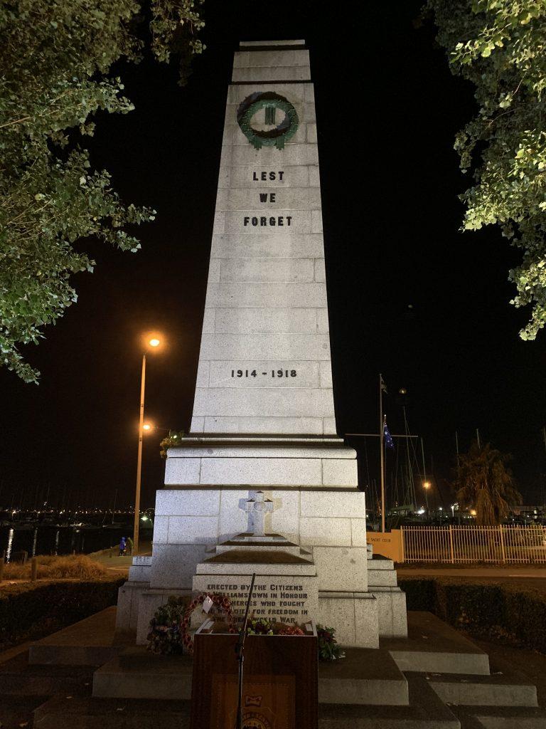 Anzac memorial statue in Willamstown